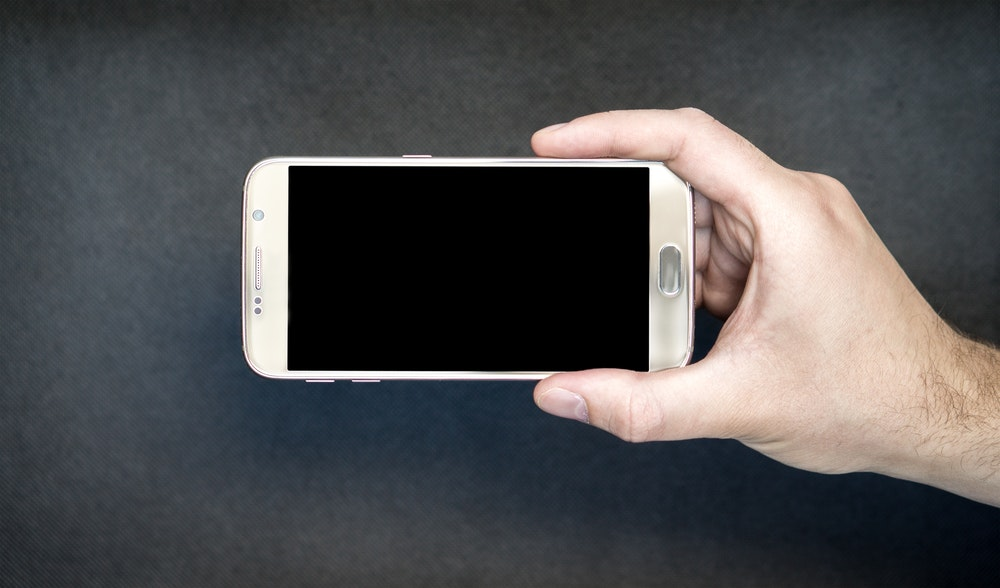 The Way to Wash Your Mobile Phone and Other Filthy Devices