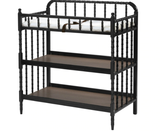The Clear Benefits of Purchasing a Baby Crib With a Dresser